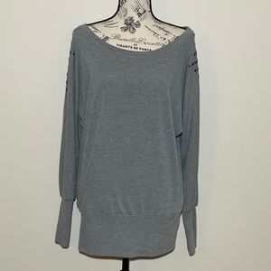 Fleurish Long Sleeve Gray Top Size XL